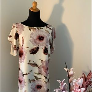 🌸2/$35🌸RW&CO floral dress Size Small.